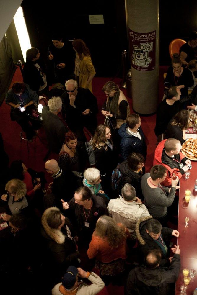 KLAPPE AUF! Kurzfilmfestival - Am Tresen